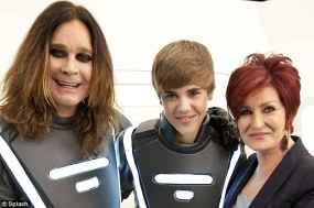 via Splash - Futuristic Tron Inspired Justin Bieber trendsetter (3)