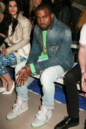 kanye-west-wears-zen-grey-air-yeezy-2-at-london-fashion-week-1