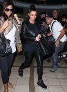 Kim+Kardashian+Kim+Kardashian+Catches+Flight+gYewDt0FVYml