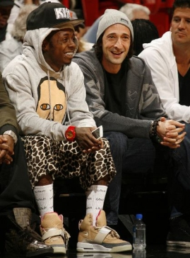 lil-wayne-rocks-nike-air-yeezy-courtside-miami-atlanta
